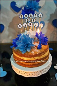 5 Dicas Para Decoração de Bodas de Casamento | Revista Artesanato Wedding Anniversary Photos, Paper Anniversary, Birthday Candles, Birthday Gifts, Birthday Cake, Ideas Aniversario, Plan My Wedding, Ideas Para Fiestas, Diy Home Crafts