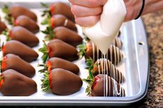 Recipe Snobs: Chocolate Covered Strawberries. i WILL HAVE A STRAWBERRY BAR AT MY WEDDING. AND A CHOCOLATE FOUNTAIN.