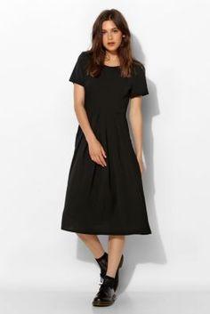 The Whitepepper Silky Pleat-Pocket Midi Dress