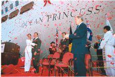 Ali McGraw and Ryan O'Neal - Ocean Princess, 2000 Godmothers, Ryan O'neal, Love Boat, Princess Cruises, Comebacks, Royals, Ali, Places To Visit, Ocean