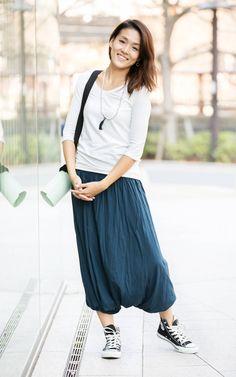 スタイル・ヨギ―ではスタイリストが見立てた本当に価値あるものを、日本のヨガシーンに提案していきます。スタイリングカテゴリーをCheck! Midi Skirt, Skirts, Style, Fashion, Swag, Moda, Midi Skirts, Fashion Styles, Skirt