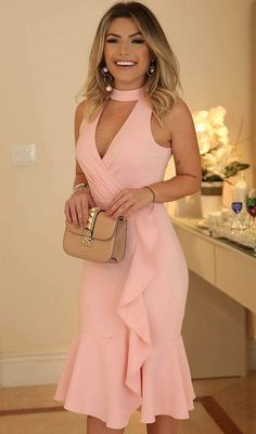 2018 Long Sleeve Gold Prom Dresses,Long Evening Dresses,Prom Dresses On Sale Want a glamorous red carpet look for a fraction of the price? This exquisite dress, Keyhole Bodice Knee Length Party Dress with Ruffles Hem Elegant Dresses, Sexy Dresses, Cute Dresses, Beautiful Dresses, Short Dresses, Fashion Dresses, Party Dresses, Pink Dresses, Occasion Dresses