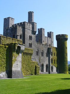 Penrhyn Castle is a country house in Llandygai, Bangor, Gwynedd, North Wales, in the form of a Norman castle. Chateau Medieval, Medieval Castle, Castle Ruins, Castle House, Tower House, Beautiful Castles, Beautiful Places, Norman Castle, Welsh Castles