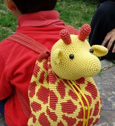 Giraffe Backpack amigurumi crochet pattern by Chabepatterns