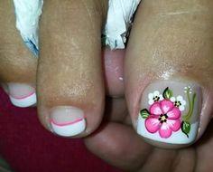 Pedicure Nail Art, Toe Nail Art, Toe Nails, Flower Pedicure Designs, Toe Nail Designs, Cute Pedicures, Vacation Nails, Flower Nails, Nail Tips