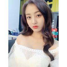 My beautiful and precious Park JiHyo✨💕😍 Nayeon, Kpop Girl Groups, Korean Girl Groups, Kpop Girls, Extended Play, Leader Twice, Park Ji Soo, Twice Jungyeon, Jihyo Twice