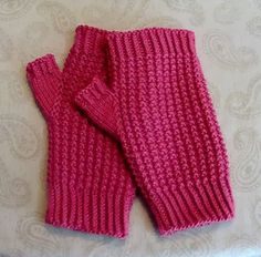 Ravelry: Rice Stitch Fingerless Gloves or Mittens pattern by Joanne Balp Kn...