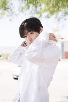Naver x Dispatch has released new, summery photos from BTS's trip to Las Vegas. when BTS traveled to Las Vegas for the 2019 Billboard Music Awards. Bts Taehyung, Jimin, Bts Bangtan Boy, Billboard Music Awards, Foto Bts, Bts Photo, Daegu, Park Ji Min, Jung Kook