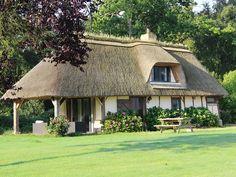 Location vacances gîte Flancourt-Catelon: Maisin avec toit en chaume ou le charme de l'ancien et le confort moderne