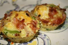 Protein Packed Egg Muffins For Less Than 70 Calories Each - Great for Low Carb, Keto, Paleo or Gluten Free Breakfasts - Protein! I'm going to use turkey bacon to make it even healthier No Calorie Foods, Low Calorie Recipes, Paleo Recipes, Cooking Recipes, Low Carb Breakfast, Breakfast Recipes, Breakfast Ideas, Cuisine Diverse, Get Thin
