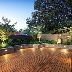 Sensational modern deck - go to our commentary for more plans! Terrace Garden Design, Rooftop Design, Small Courtyard Gardens, Backyard Patio Designs, Small Backyard Landscaping, Contemporary Garden Design, Rooftop Terrace, Patio Roof, Pergola