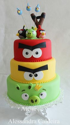 Angry birds cake for kids birthday party Torta Angry Birds, Cumpleaños Angry Birds, Angry Birds Cupcakes, Bird Cakes, Cupcake Cakes, Fondant Cakes, Bird Birthday Parties, 5th Birthday, Birthday Cakes For Boys