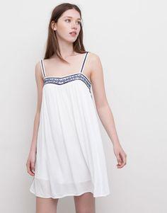Pull&Bear - mujer - vestidos - vestido bordado azul - hielo - 09392300-I2015