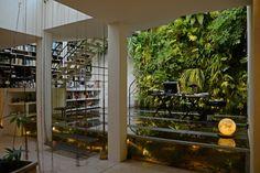 Loft avec mur végétal