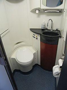 Amtrak Superliner Luggage Area Seattle Glacier National Park - Bathrooms on amtrak trains