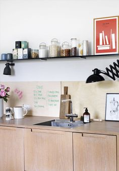 Renovate your kitchen with a wallboard of wood! Personalise your kitchen with a wall of wood that you can write on. The wallboard can be made in birch veneer plates.