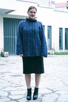 The big blue jumper… Il grande maglione blu…