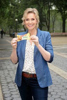 Exclusive Interview w/ 'Glee's Jane Lynch @ Bridget Campos News Features