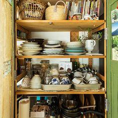 IKEAの棚をDIYして食器棚に–オルネドフォイユ谷さん - 北欧、暮らしの道具店
