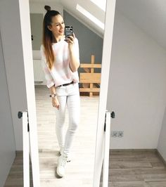 Wycieczka   Gdańsk  nowa kolekcja w @lasartapl już dostępna i z okazji Dnia Kobiet (8.03) zniżka dla Was kochane 20%  ja wybrałam ten swetrzaczek  #ootd #white #pastel #goodday #Friday #funday #fashionista #fashionlook #fashionfreak  by pukkalifestyle