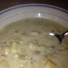 I have tweaked this recipe a few times over the years and I have to admit that this is by far one of the best New England Clam Chowders you will ever come across. Carey's Rich & Creamy New England Clam Chowder Seafood Soup Recipes, Clam Chowder Recipes, Clam Recipes, Seafood Dishes, Restaurant Recipes, Copycat Recipes, Cooking Recipes, Asian Recipes, Recipes