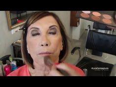 Assista esta dica sobre Maquiagem de pele madura e muitas outras dicas de maquiagem no nosso vlog Dicas de Maquiagem.