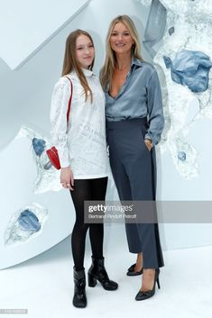 Kate Moss and her daughter Lila Moss attend the Dior Homme Menswear Spring Summer 2020 show as part of Paris Fashion Week on June 2019 in Paris, France. Get premium, high resolution news photos at Getty Images Lila Grace Moss, Lila Moss, Moss Fashion, Paris Fashion, Kate Moss Style, Duster Coat, Daughter, Menswear, Vogue