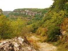 Quittant Rocamadour pour aller vers Couzou, le long du chemin de St Jacques en laissant derrière le Causse de Gramat.