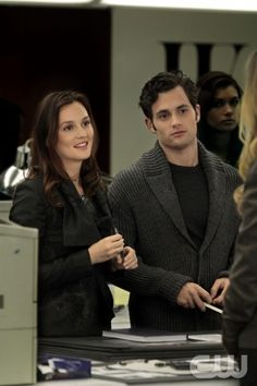 """""""Damian Darko"""" Pictured (L-R) Leighton Meester as Blair Waldorf and Penn Badgley as Dan Humphrey in GOSSIP GIRL on THE CW. PHOTO CREDIT:  Giovanni Rufino/ THE CW ©2010 The CW Network, LLC. All Rights Reserved"""