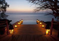 Azura Quilalea - Pool beim Sonnenuntergang