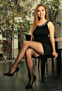 Dress Black Tights Nice Legs Ideas For 2019 Great Legs, Nice Legs, Beautiful Legs, Sexy Outfits, Sexy Dresses, Black Pantyhose, Black Tights, Sexy Rock, Pantyhosed Legs