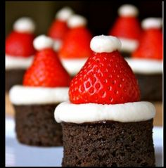 Santa Cakes! I wanna try to make these!