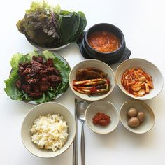 Healthy easy breakfast ideas to lose weight diet food list Easy Dinner Recipes, Easy Meals, Korean Food, Korean Diet, Diet Food List, Easy Healthy Breakfast, Morning Food, Aesthetic Food, Food Menu