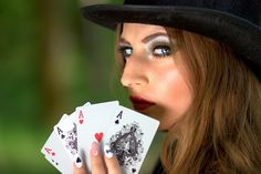 Spy Cheating Playing Cards in Delhi India Buy Online Cheap Price Hidden Invisible Contact Lenses Devices for Marked, Deck, Casino, Gambling Poker Games Party Prizes, Casino Party Foods, Casino Night Party, Casino Theme Parties, Play Roulette, Live Roulette, Online Gambling, Online Casino, Jouer Au Poker