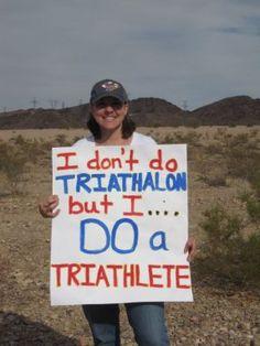 Race spectator signs we'd like to see. Ironman Triathlon, Triathlon Training, Training Plan, Marathon Training, Marathon Signs, Marathon Runners, Iron Man Race, Triathalon, Bike Run