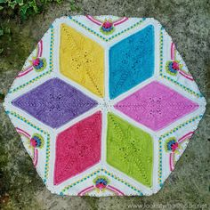 In Part 7 of the Scheepjes Ubuntu CAL we will be joining our parts and starting on the border. I can't wait! Crochet For Kids, Crochet Baby, Free Crochet, Crochet Blanket Patterns, Crochet Afghans, Hand Photo, The Ch, Magic Ring, Photo Tutorial