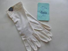 Vintage White Hansen's Gloves  Never Worn by victoriansentiments