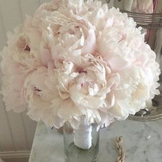 Fabulously Creative Wedding Ideas from Kari Rider Weddings and Events. To see more: http://www.modwedding.com/2014/10/25/fabulously-creative-wedding-ideas-kari-rider-weddings-events/ #wedding #weddings #bridal_bouquet
