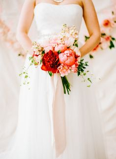 christmas bouquet http://trendybride.net/christmas-inspired-bridal-bouquets/ {trendy bride}