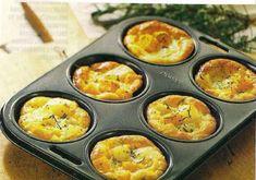 Muffins met aardappels, zucchinis en rozemarijn.
