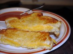Oven Grilled Cheese degree oven_Lightly butter the bread, add your cheese, top with slice of bread. Bake for 6 minutes, flip over, bake for more minutes or until done. Sandwiches For Lunch, Wrap Sandwiches, Sandwich Ideas, Bacon Wrapped Chicken, Grilled Cheese Recipes, Southern Dishes, Incredible Edibles, Food Out, Recipe Using