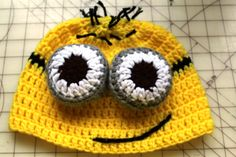OMG, who doesn't love the minions.  This is a adorable and fun crochet beanie.  It is fast and easy to do.  This video tutorial takes you stitch by stitch.   Super cute and adorable.  Click here for the Free video tutorial.   http://youtu.be/crWUgOHXYvo