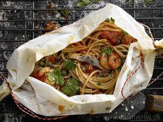 Spaghetti-Garnelen-Päckchen - smarter - mit Tomatensauce.   Kalorien: 497 Kcal | Zeit: 50 min. #pasta