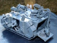 226599-Ork Tank, Ork Looted Rhino.jpg (600×450)
