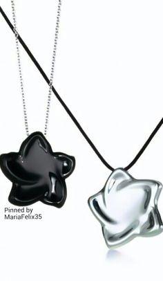 Tiffany & Co Jewelry Accessories, Jewelry Design, Baby Jewelry, Pretty Necklaces, Tiffany And Co, Designers, Jewellery, Jewels, Make It Yourself