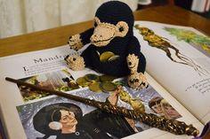 Tuto crochet : le Niffleur des Animaux Fantastiques - Le Journal de Lalu Harry Potter, Crochet, Teddy Bear, Journal, Children, Paper, Animals, Amigurumi, Fantastic Beasts