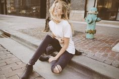 Plain white tee+ ripped jeans + boots Pinterest: CaitCabrera