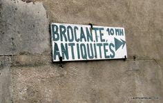 french sign--la Brocanteuse