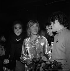 Drinking buddies known as 'The Hollywood Vampires' (L-R -- John Lennon (during his 'Lost Weekend' period), Alice Cooper and Micky Dolenz celebrate an early Thanksgiving with singer Anne Murray (2nd from left) at the Troubadour on November 21, 1973 in Los Angeles, California. (Photo by Richard Creamer/Michael Ochs Archives/Getty Images)