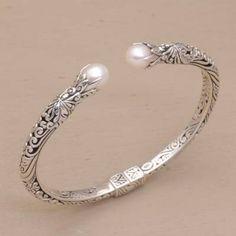 Bracelets En Argent Sterling, Sterling Silver Cuff Bracelet, Silver Bangle Bracelets, Bracelet Charms, Ankle Bracelets, Pearl Bracelet, Pearl Necklace, Gold Bangles Design, Silver Ring Designs